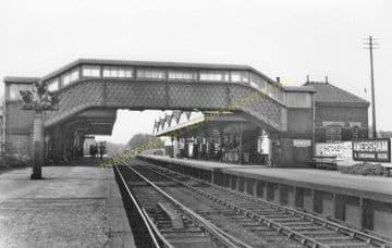 Amersham Railway Station Photo. Chalfont & Latimer - Great Missenden. (5)