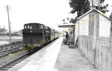 Ammanford & Tirydail Railway Station Photo. Great Western Railway. (1)