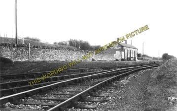 Andoversford & Dowdeswell Railway Station Photo. Cheltenham - Withington. (2)..