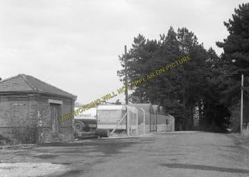 Andoversford Junction Railway Station Photo. Cheltenham - Notgrove. GWR. (11)