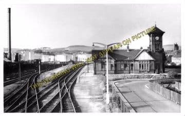 Ardrossan Town (North) Railway Station Photo. Caledonian Railway. (2)