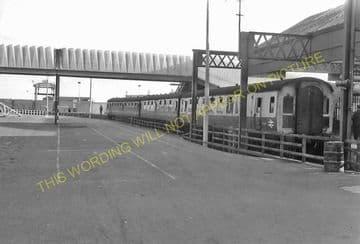 Ardrossan Winton Pier Railway Station Photo. Glasgow & South Western Railway (4).