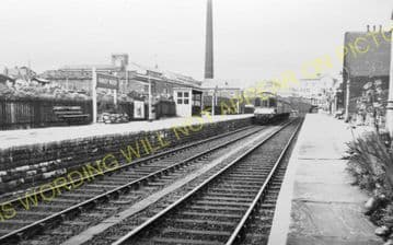Armley & Wortley Railway Station Photo. Leeds to Bramley and Bradford Line. (2)