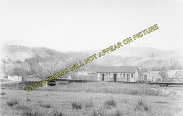 Arthog Railway Station Photo. Dolgelly to Barmouth & Fairbourne Lines. (2)