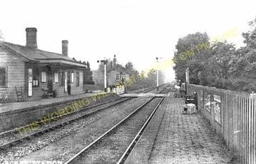 Ascott-under-Wychwood Railway Station Photo. Charlbury - Shipton. (1)