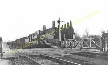 Ascott-under-Wychwood Railway Station Photo. Charlbury - Shipton. (7)