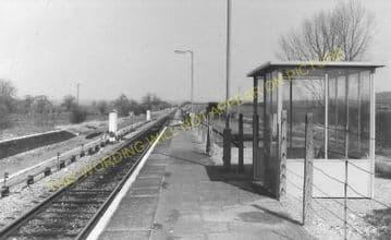 Ascott-under-Wychwood Railway Station Photo. Charlbury - Shipton. (8)