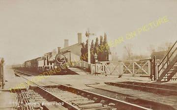 Ascott-under-Wychwood Railway Station Photo. Charlbury - Shipton. (9)