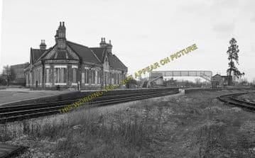 Ashchurch Railway Station Photo. Cleeve to Tewkesbury Bredon and Beckford. (11)
