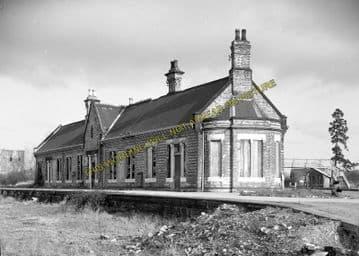 Ashchurch Railway Station Photo. Cleeve to Tewkesbury Bredon and Beckford. (14)