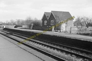 Ashchurch Railway Station Photo. Cleeve to Tewkesbury Bredon and Beckford. (18)