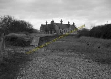 Ashchurch Railway Station Photo. Cleeve to Tewkesbury Bredon and Beckford. (23)