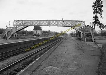 Ashchurch Railway Station Photo. Cleeve to Tewkesbury Bredon and Beckford. (31)