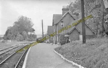 Ashey Railway Station Photo. Ryde - Haven Street. Newport Line. (2)