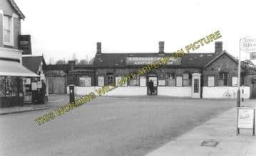 Ashford Railway Station Photo. Feltham - Staines. Twickenham Line. (3)