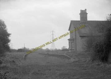 Ashton-Under-Hill Railway Station Photo. Beckford - Hinton. Eversham Line. (10)