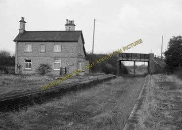 Ashton-Under-Hill Railway Station Photo. Beckford - Hinton. Eversham Line. (3)