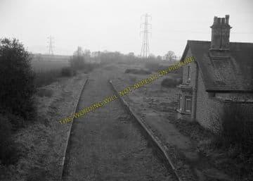 Ashton-Under-Hill Railway Station Photo. Beckford - Hinton. Eversham Line. (5)