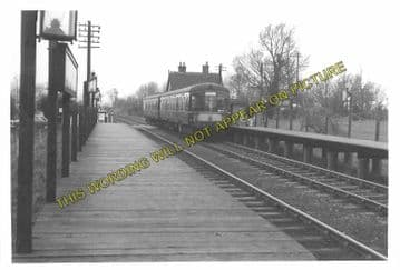 Aspley Guise Railway Station Photo. Woburn Sands - Ridgmont. Bletchley Line. (12)