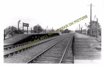 Aspley Guise Railway Station Photo. Woburn Sands - Ridgmont. Bletchley Line. (2)