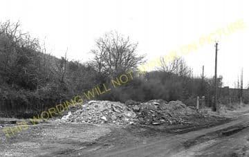 Aston Rowant Railway Station Photo. Chinnor - Lewknor Bridge. (9)