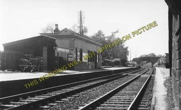 Auldbar Road Railway Station Photo. Guthrie - Clocksbriggs. Forfar Line. (1)