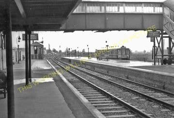 Axminster Railway Station Photo. Chard - Seaton Jct. Yeovil to Honiton Line. (14)