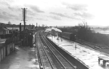 Axminster Railway Station Photo. Chard - Seaton Jct. Yeovil to Honiton Line. (5)