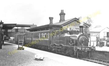 Aylesbury Joint Railway Station Photo. Stoke Mandeville - Waddesdon Manor. (11)