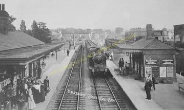 Aylesbury Joint Railway Station Photo. Stoke Mandeville - Waddesdon Manor. (19)