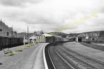 Ballater Railway Station Photo. Cambus O'May, Aboyne, Banchory and Aberdeen (18)