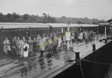 Balloch Pier Railway Station Photo. Alexandria and Dumbarton Line. D&BJR (3)