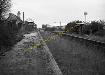 Bampton Railway Station Photo. Brize Norton. Witney - Alvescot. (6)
