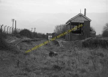 Bampton Railway Station Photo. Brize Norton. Witney - Alvescot. (7)