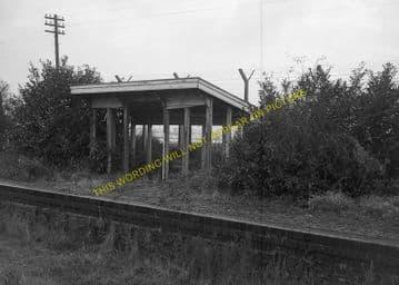 Bampton Railway Station Photo. Brize Norton. Witney - Alvescot. (8)