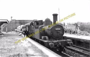Bangor-on-Dee Railway Station Photo. Marchwiel - Overton. Wrexham Line. (2)
