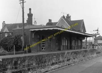 Barcombe Mills Railway Station Photo. Lewes - Isfield. Uckfield Line. LBSCR (8)