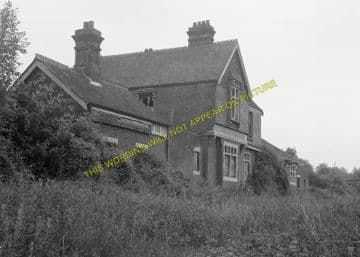 Barcombe Railway Station Photo. Newick & Chailey to Lewes. LB&SCR. (4)
