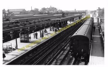 Barking Railway Station Photo. East Ham to Dagenham and Rainham Lines. LT&SR (6)