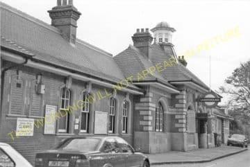 Barkingside Railway Station Photo.Fairlop - Newbury Park. Great Eastern Rly. (7)
