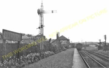 Barnhill Railway Station Photo. Broughty Ferry - Kingennie. Monikie Line. (2).