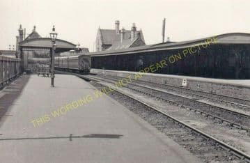 Barnstaple Junction Railway Station Photo. Chapleton to Ilfracome. (28)