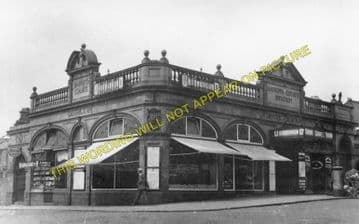 Baron's Court Railway Station Photo. West Kensington - Hammersmith. District (1)