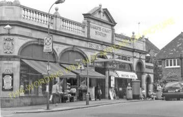 Baron's Court Railway Station Photo. West Kensington - Hammersmith. District (3)