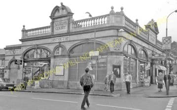 Baron's Court Railway Station Photo. West Kensington - Hammersmith. District (4)
