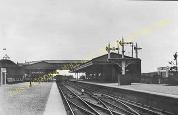 Barry Island Railway Station Photo. Cadoxton - Rhoose. Cardiff to Aberthaw. (5)