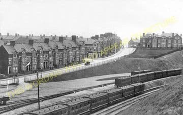 Barry Island Railway Station Photo. Cadoxton - Rhoose. Cardiff to Aberthaw. (8).