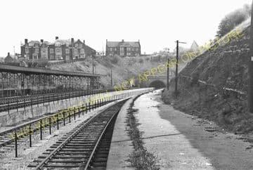 Barry Pier Railway Station Photo. Barry Railway. (9)