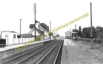 Baschurch Railway Station Photo. Leaton - Rednal. Shrewsbury to Whittington (1)