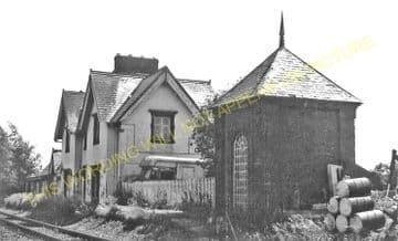Baschurch Railway Station Photo. Leaton - Rednal. Shrewsbury to Whittington (4)